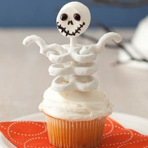 Skeleton Halloween Cupcakes