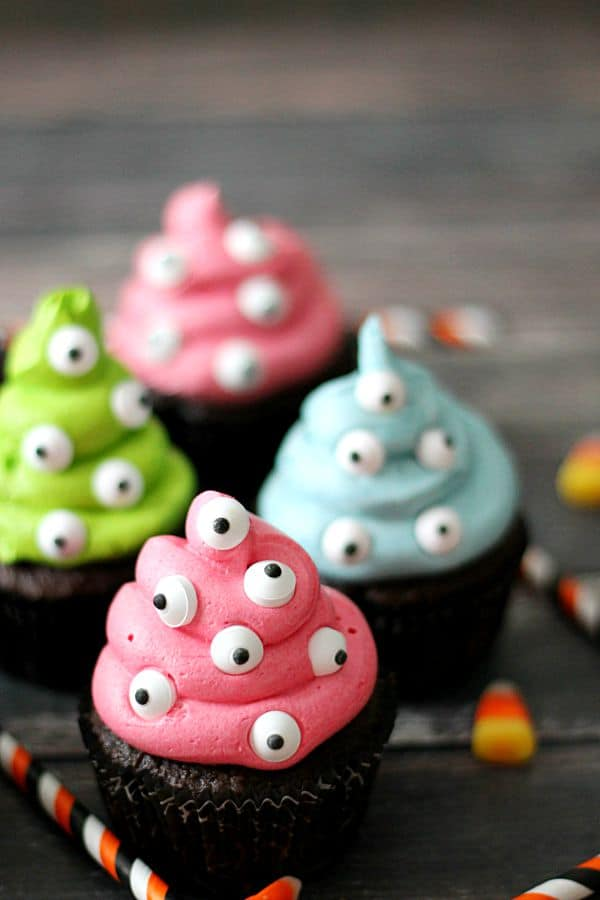 4 Monster halloween cupcakes