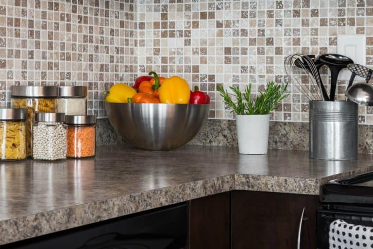 Achieve Complete Kitchen Organization (Just Throw Away These 10 Things!)
